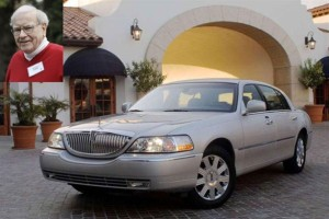 Warren Buffet dan mobil lincoln town car